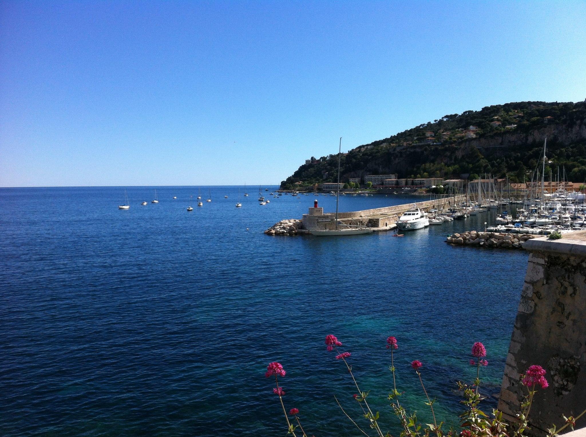 Accueil la trinquette - Port de la darse villefranche sur mer ...