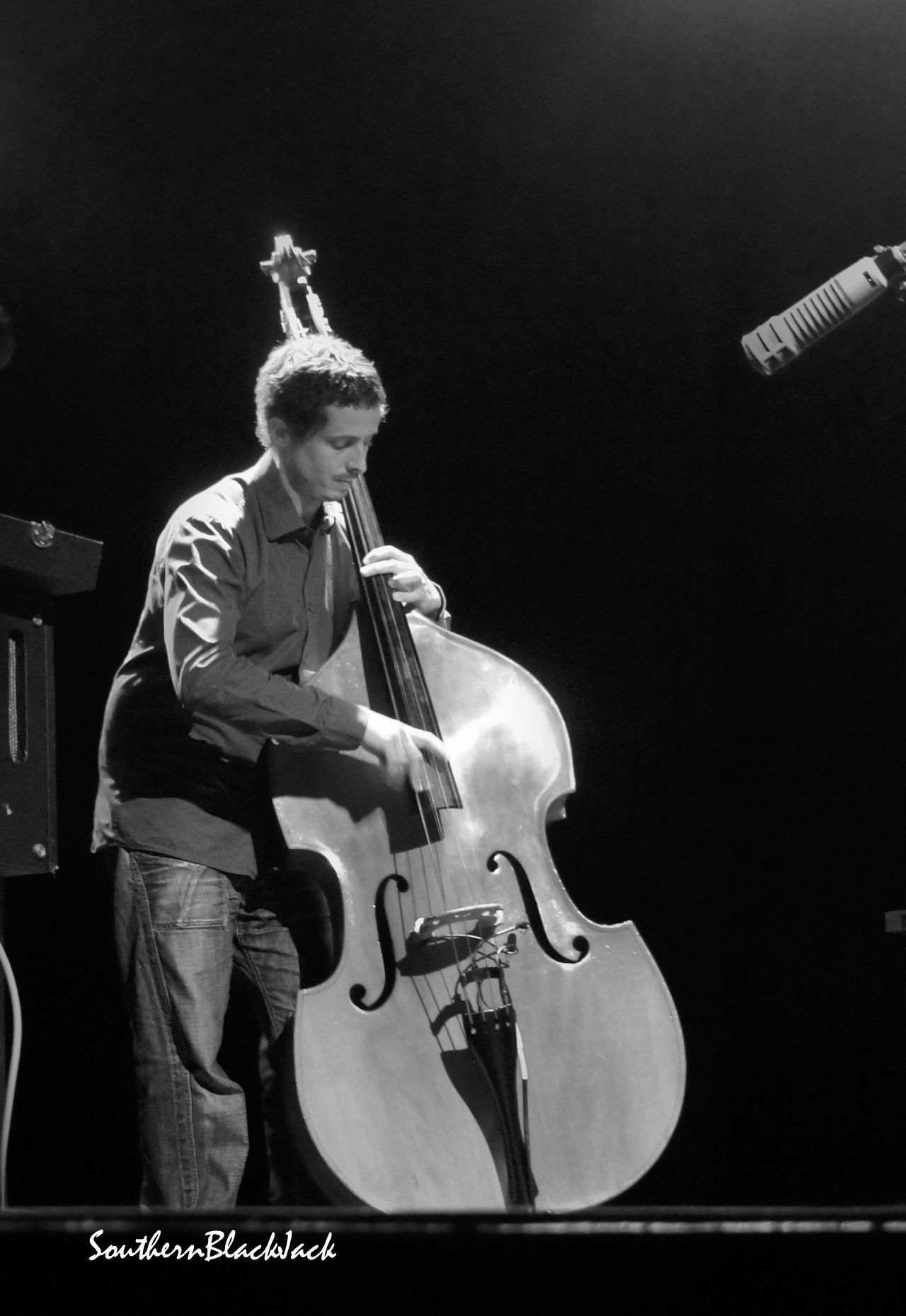 JAZZ STANDARDS: KEVIN TARDEVET TRIO